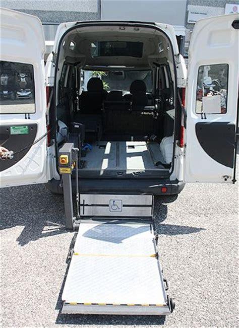 pedana disabili fiat doblo trasporto disabili pedana monobraccio usato