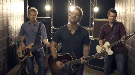 blake shelton you name the dogs chords 80 country songs you need on your playlist