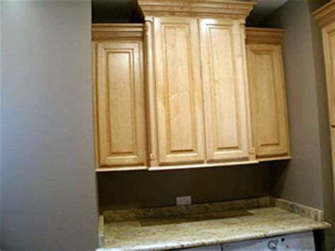 maple cabinets  crown molding amish custom furniture