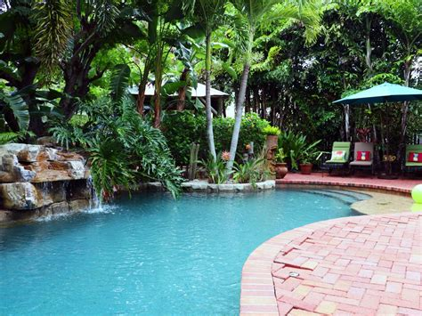 Tropical Bungalow, Heated Saltwater Pool, H...
