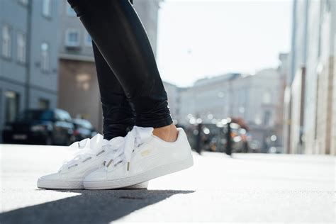 OUTFIT Puma Basket Heart Sneakers - patent leather with a satin bow