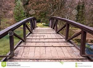 Petit Pont En Bois : petit pont en bois photo stock image du ext rieur fleuve 44257030 ~ Melissatoandfro.com Idées de Décoration