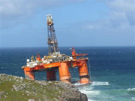 A 17,000-tonne Oil Rig Ran Aground On A Beach