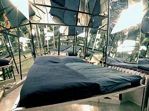 Propeller Island City Lodge : bizarre themed rooms ~ Orissabook.com Haus und Dekorationen