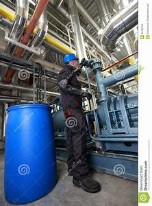 Oil Worker Inside Refinery Stock Photo - Image: 25762750