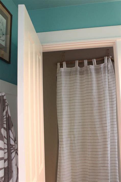 simple   quick fix closet door curtain diy