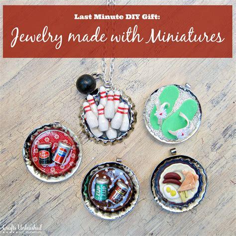Custom Bottle Caps Using Miniatures  DIY Necklaces & Rings