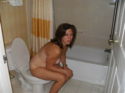 Delicious Woman On Toilet Pooping Women Celebrity On The Toilet 38