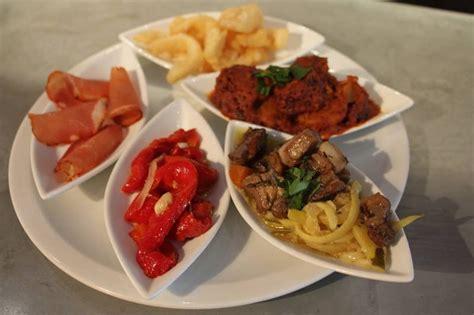 cuisine espagnole tapas notre sélection des meilleurs bars à tapas de marseille
