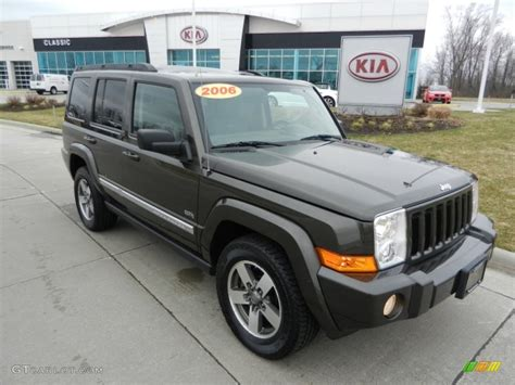 jeep metallic 2006 jeep green metallic jeep commander 4x4 62434455