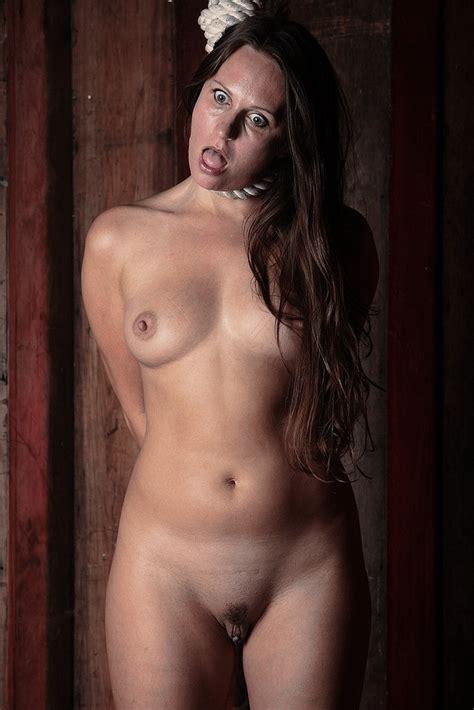 Naked Woman Hanging Tubezzz Porn Photos