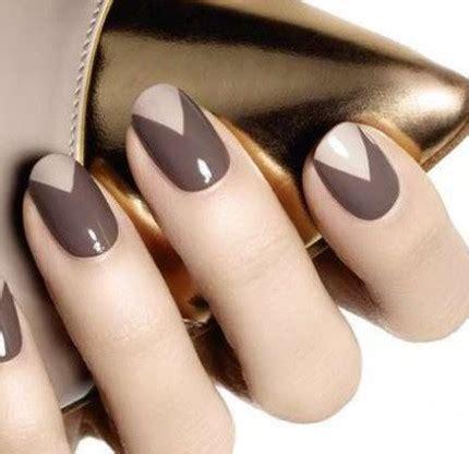 nuovo trend unghie  triangoli glamourit