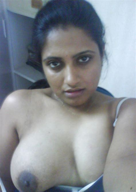 Hot desi Bhabhi Sexy Tits Photos Indian Collection