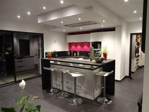 cuisine central cuisine ilot central noir blanc
