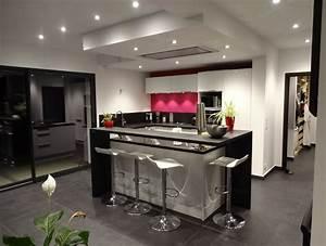 cuisine ilot central noir blanc rose With cuisine avec ilot central et bar