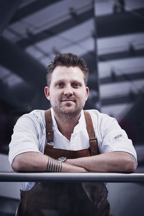 Having caught the 'gastronomic virus' as he puts it, nick bril completed a classical apprenticeship as a cook in belgium. Belgier Nick Bril ist Gastkoch im März - Salzburg-Stadt