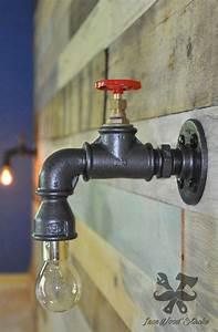 Lampe Murale Industrielle : lampe murale robinet applique vintage design par ironwoodstache luminaire pinterest ~ Teatrodelosmanantiales.com Idées de Décoration