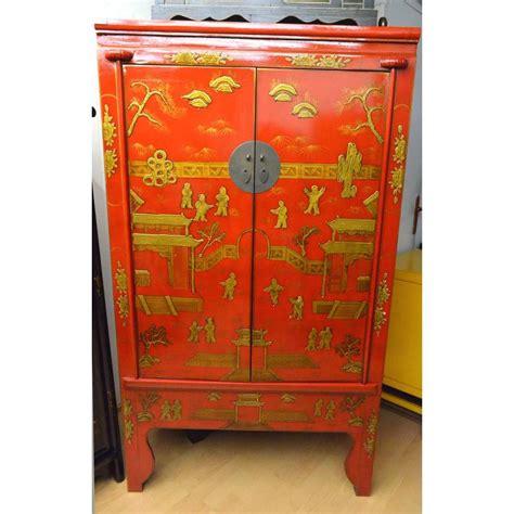 armoires de mariage rouge idee decoration salon rouge la