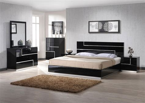 Modern Bedroom Set With Beautiful Crystals