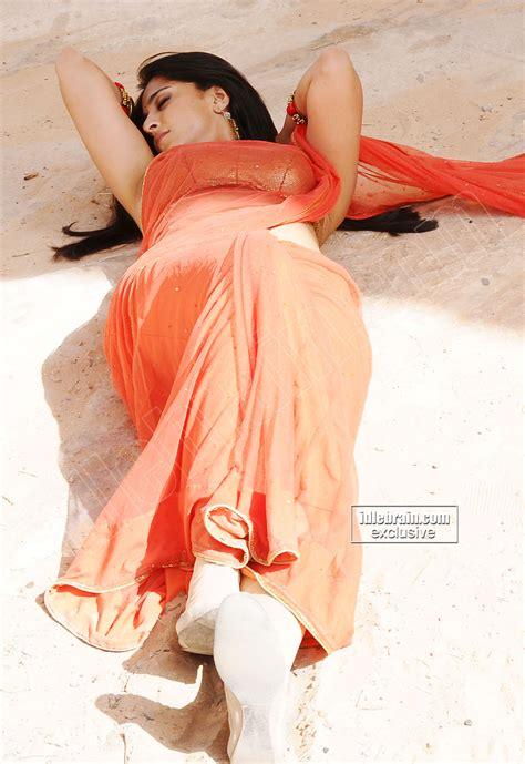 KOLLYWOOD MIRCHI Anushka Shetty Ragada Movie Hot Stills HQ