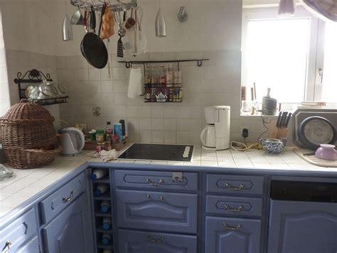 cuisine rustique repeinte quelle couleur pour repeindre notre cuisine forum déco