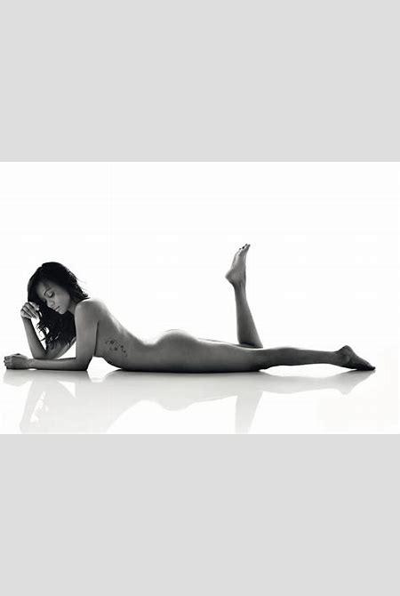 Zoe Saldana Nude in Womens Health UK | celebrity-slips.com