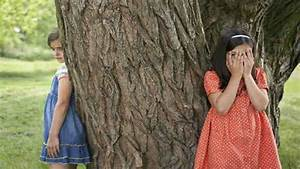 when they played hide and seek puzzle - ...जब शाम को खेलते ...