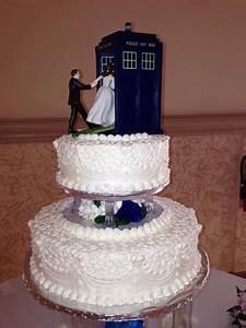 Tardis wedding cake. Doctor who!   It's Bigger on the ...