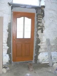Pose Porte D Entrée : pose de la porte d entr e r novation d une grange ~ Melissatoandfro.com Idées de Décoration