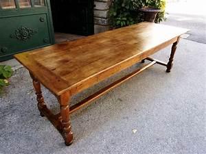 Table En Noyer : table de ferme en noyer massif du xviiie si cle ~ Teatrodelosmanantiales.com Idées de Décoration