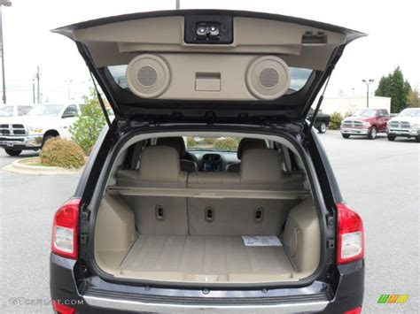 jeep compass 2017 trunk 2011 jeep compass 2 4 limited 4x4 trunk photo 47979356