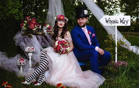One Couple's Amazing Alice In Wonderland Themed Wedding Wedding Beer Glasses Jarrods Plans For Sophie Jar Table Printed And Ideas Hunting Rustic Day Makeup How To