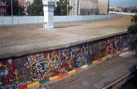 9 Est In Deutschland by Thierry Noir Le Premier 224 Avoir Peint Le Mur De Berlin