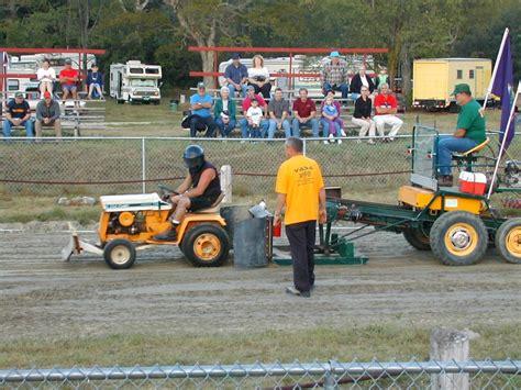 Leeorg » Blog Archive » Bondville Fair Lawnmower Pull
