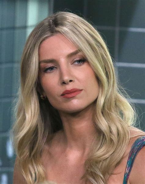 Annabelle Wallis Appeared Build Series Nyc