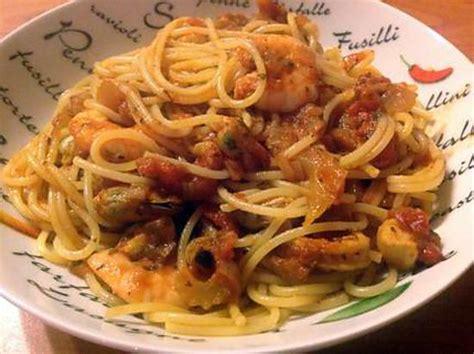 recette de spaghettis aux fruits de mer 224 l ail et aux tomates
