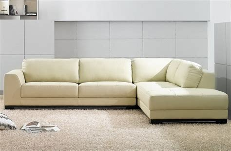 comment nettoyer canapé cuir blanc comment nettoyer un canapé en cuir conseils et photos