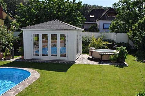 Whirlpool In Gartenhaus by Zum Entspannen Und Genie 223 En Familie B 252 Glers Gartenhaus