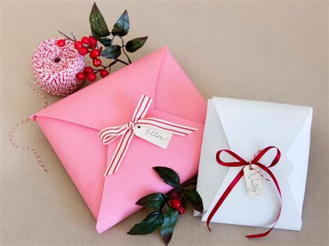 Holiday Gift Wrapping Ideas Diy