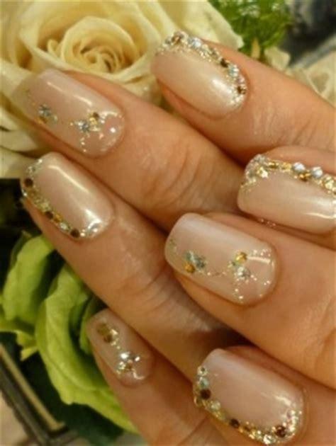 pretty holiday nail art designs