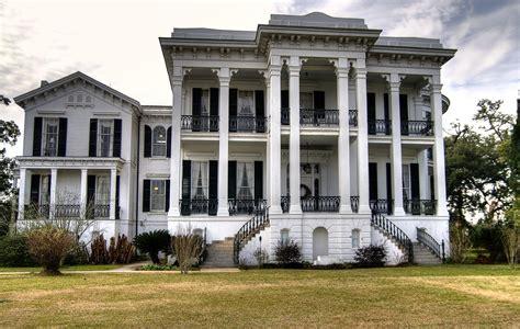 40 Plantation Home Designs
