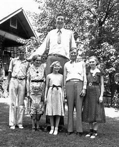 Robert Wadlow, el gigante que alcanzó los 272 cm de altura ...