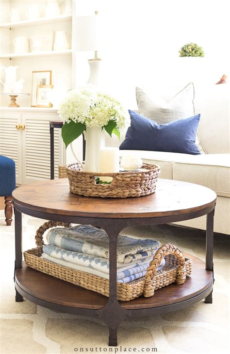 It is oval in shape. 20 minute decorating -ideas for the 4th of July - French ...