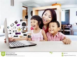 Mömax De Online Shop : happy asian family shopping online stock photo image 38874216 ~ Bigdaddyawards.com Haus und Dekorationen