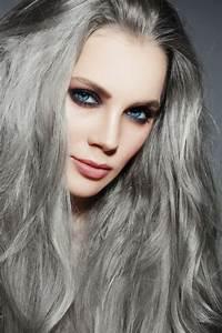 1001 looks impeccables avec une coloration grise for Les couleurs grises 9 1001 conseils pour trouver la couleur de cheveux pour