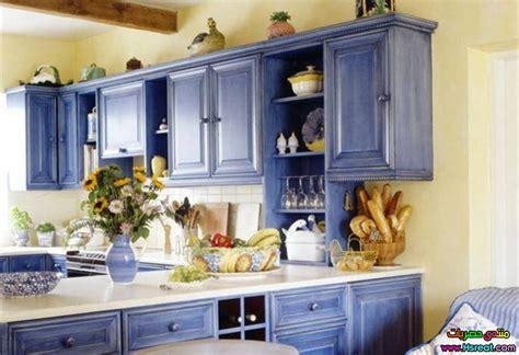 country blue kitchen cabinets مطابخ داخلية باللون اللبني والازرق مطابخ بديكور عصري واحدث 5938