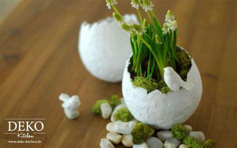 gipsbinden selber machen diy osterdeko mit deko vasen aus gipsbinden deko kitchen