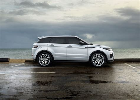 Range Rover Evoque 2018 Sweeps In With Fresh Wardrobe By