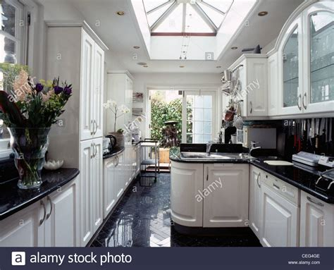 Large Skylight In Modern Kitchen Extension With Fitted. Kitchenaid Applesauce. Kitchen Ideas Art Deco. Kitchen Colour Games. Tiny Urban Kitchen Pulled Noodles. Kitchen Appliances Packages Lowes. Kitchen Table Dark Wood. Oak Kitchen Redo. Kitchen Stove Induction