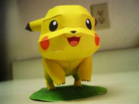 nintendo pokemon papercraft pikachu ron rementilla